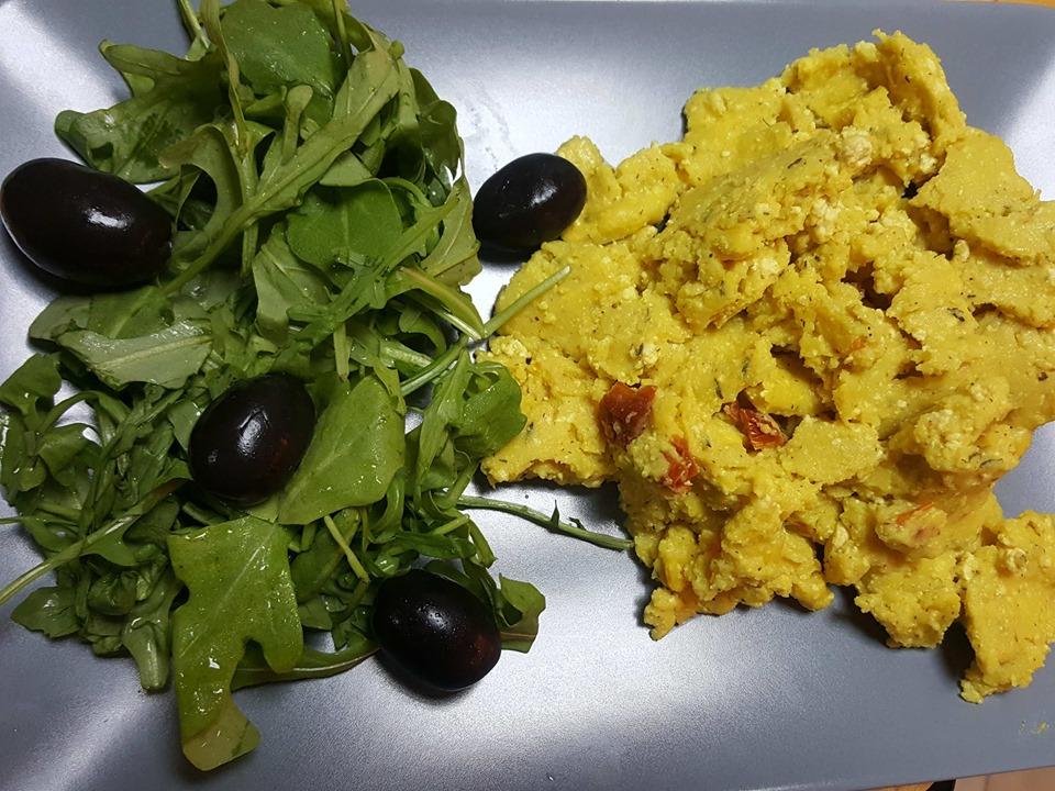 Бъркани яйца с тофу